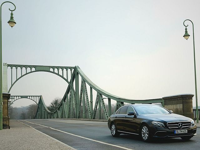 E-Klasse Glinicker Brücke Berlin Limousine